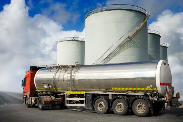 Embargo na venecuelansku naftu naterao Ameriku da kupuje dizel od arhineprijatelja