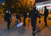 Epilog postizbornih nereda: Policijska kola usmrtila demonstranta, desetine povređeno FOTO