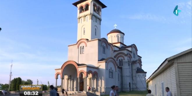 Episkop Danilo Krstić dobija bistu na Klisi