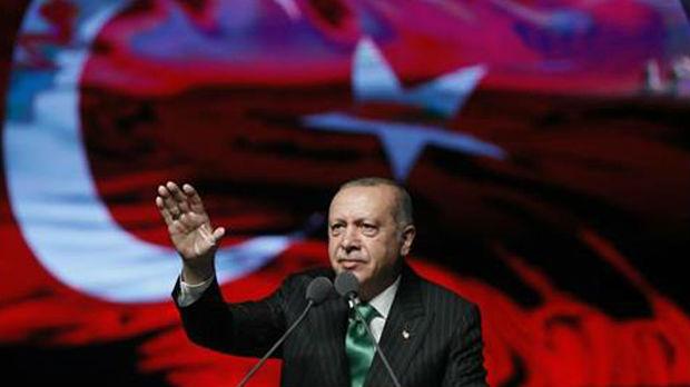 Erdogan ide na večeru kod Štajnmajera, Merkelova odbila poziv