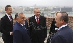 Erdogan u Budimpešti zapretio da će migrantima otvoriti put ka zapadu Evrope
