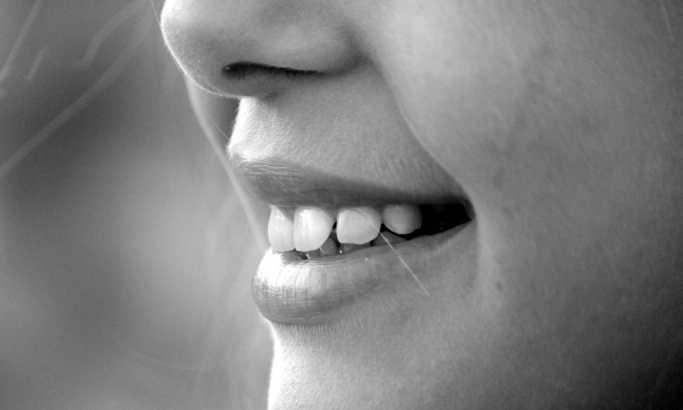 Evo kako da izbelite vaše zube do savršenstva
