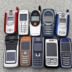Evo ko i zbog čega kupuje klasične telefone u 2020. godini