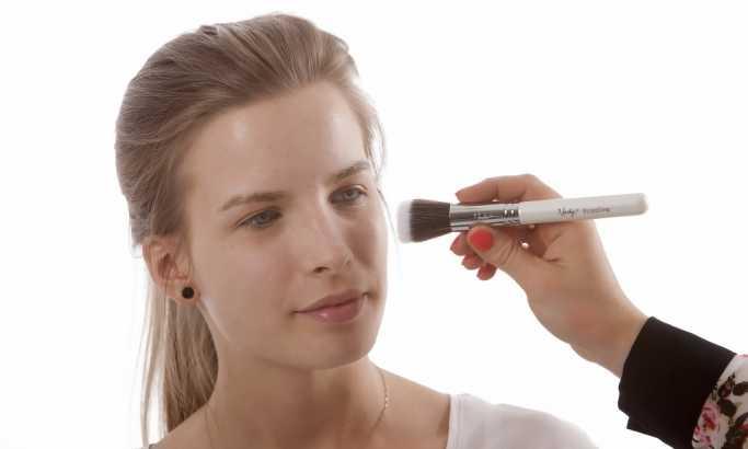 Evo šta se dešava sa vašim bubrezima i mozgom kada nosite šminku