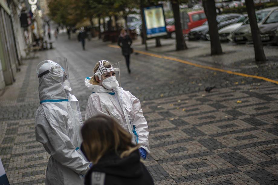Evropa: U Češkoj najavljuju radikalno ograničavanje kretanja, Austrija produžila zaključavanje, porast broja obolelih u Italiji