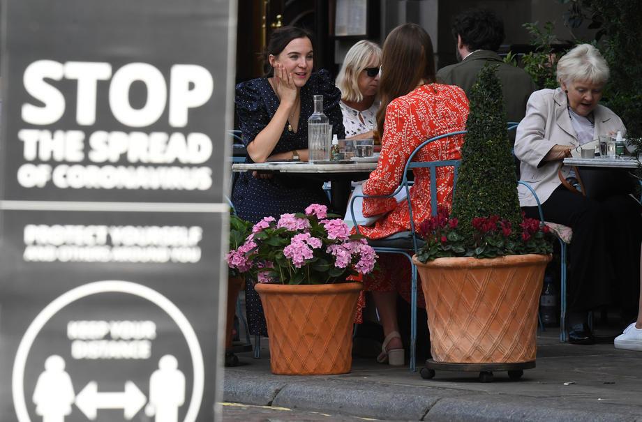 Evropa: Ublažene antiepidemijske mere u Velikoj Britaniji