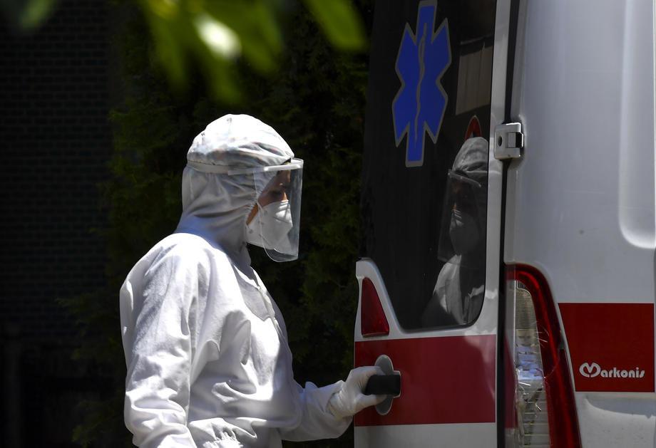 Evropa: Blagi pad novozaraženih u Grčkoj , broj preminulih u porastu u Francuskoj