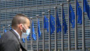 Evropska komisija: Ne nabavljamo rusku vakcinu