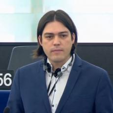 Evropski parlament kaznio hrvatskog poslanika: Počeo da raskopčava kaiš na pantalonama tokom govora