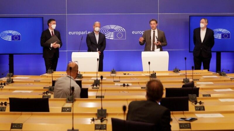 Evropski parlament potvrdio trgovinski sporazum o Brexitu