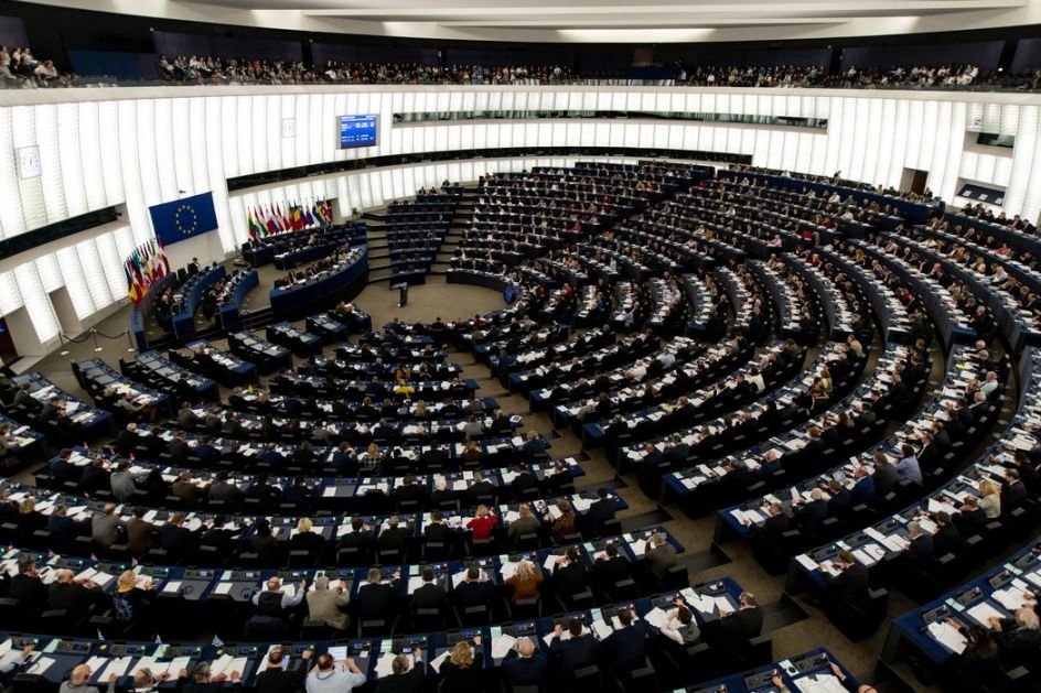 Evropski parlament vanredno usvaja mere protiv COVID19