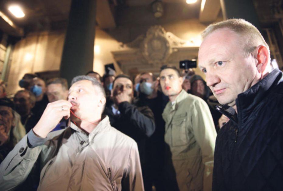 FARSA OD BOJKOTA OPOZICIJE: Đilasov SZS promenio ploču, i Obradović ide na izbore?!