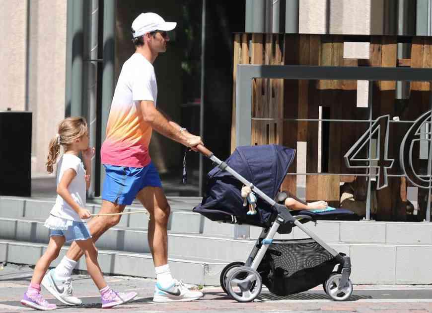 FEDERER ŠOKIRAO SVET! Novac ne pada s neba: Nećete verovati šta rade deca najbogatijeg tenisera sveta!