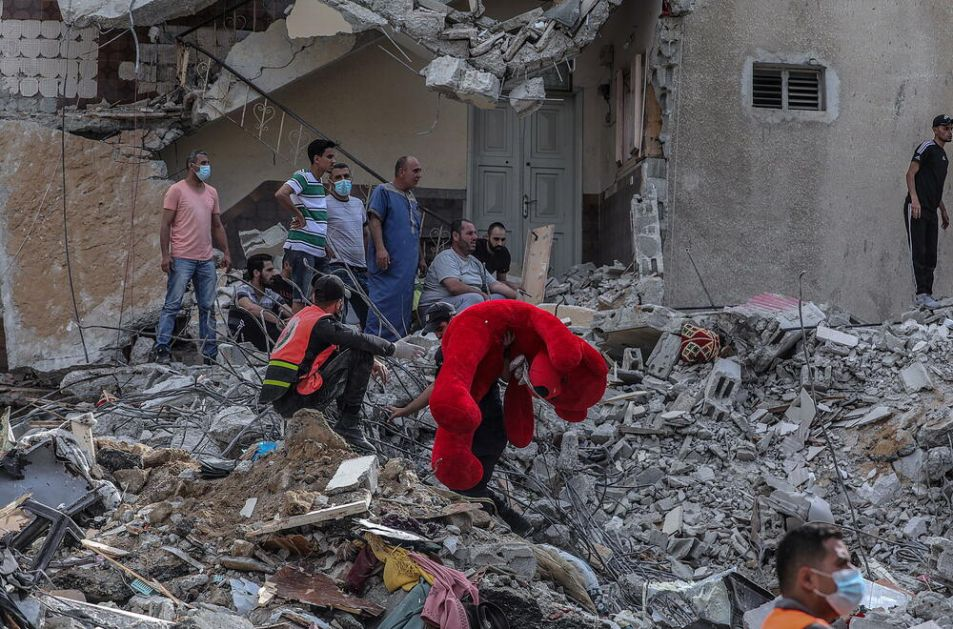 FEKALIJE PO ULICAMA, BEZ STRUJE I VODE I LEKOVA: Sedmodnevno bombardovanje gurnulo Gazu u humanitarnu katastrofu