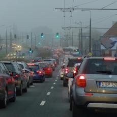 FOTKA DANA NA MREŽAMA DANAS STIŽE IZ PANČEVA: Pola Srbije gleda auto ovog Pančevca i ne veruje! (FOTO)