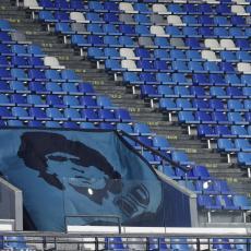 FOTKA KOJA JE RASPLAKALA PLANETU: Fudbaleri Napolija se na jedinstven način oprostili od Maradone (VIDEO)