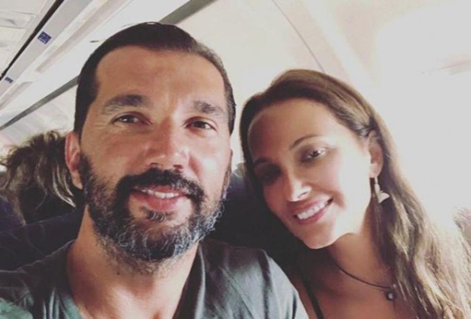 (FOTO) BOMBA I SA 47 GODINA: Pogledajte kako izgleda supruga Predraga Stojakovića! Njeno vrelo izdanje će vam pomutiti razum!