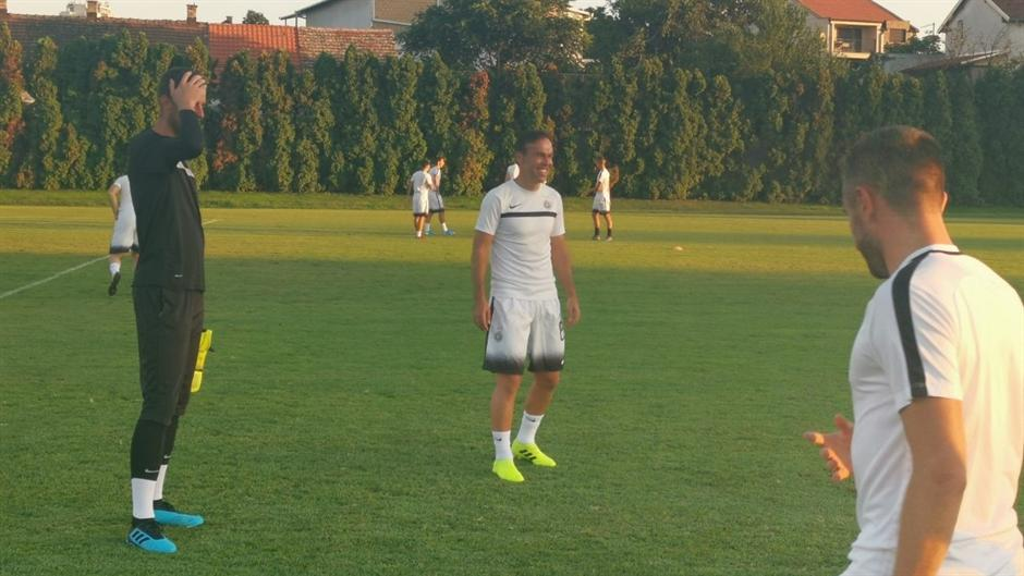FOTO: Nasmejani Natho na treningu Partizana