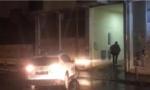 FOTOGRAFIJE SA LICA MESTA: Novosadska policija odvodi dizajnera koji se sumnjiči za PEDOFILIJU