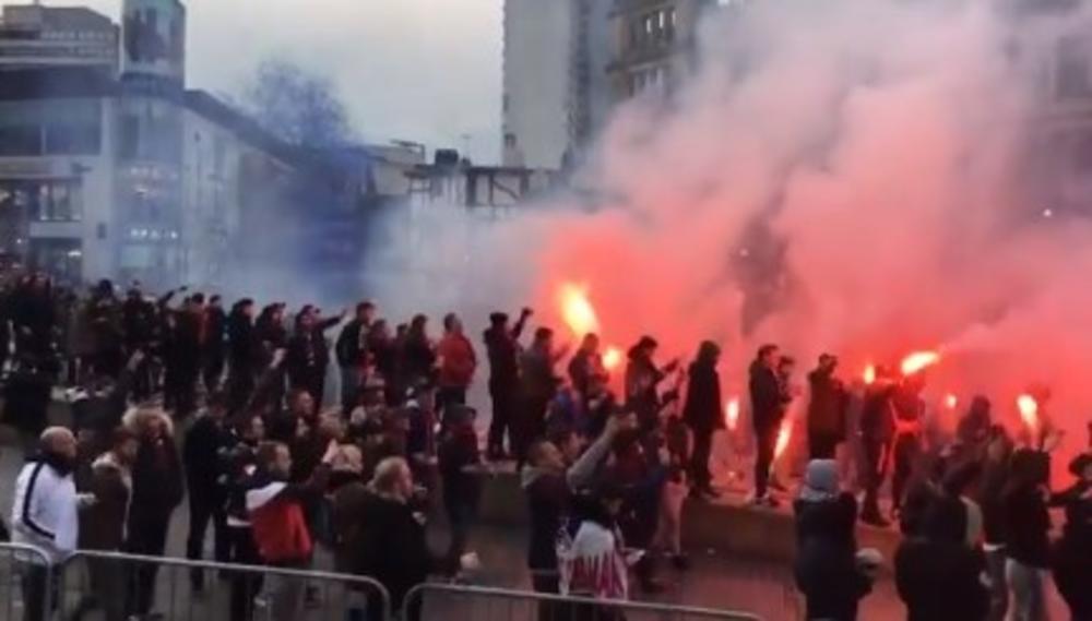FRANCUSKA OPSADA MANČESTERA: Navijači PSŽ-a napravili karnevalsku atmosferu u gradu pred meč sa Junajtedom (VIDEO)