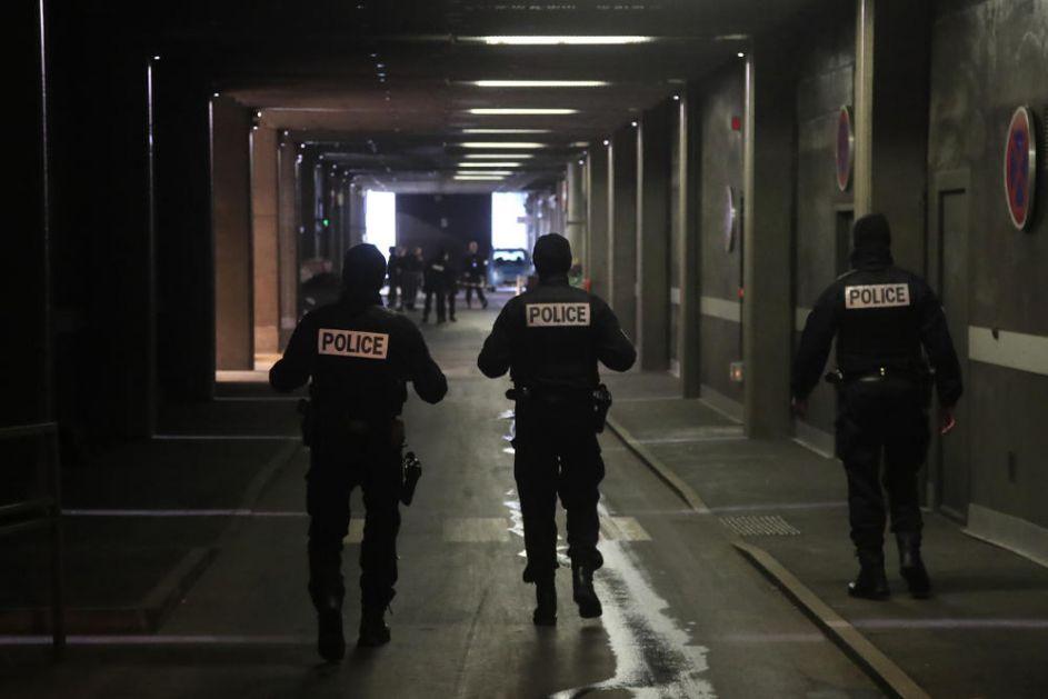 FRANCUSKI TABADŽIJA KAŽNJEN ZBOG KRŠENJA KARANTINA: Policija ga našla na ulici posle ponoći, a evo koga je čekao!