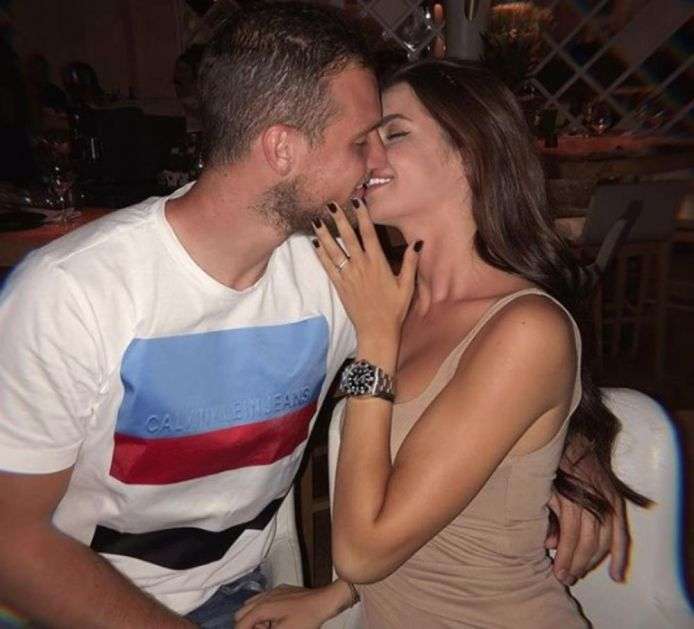FRANCUZI ODREDILI CENU ZA RAJKOVIĆA OD 20.000.000 EVRA: Njegova lepa supruga već se sprema za Pariz! (FOTO)