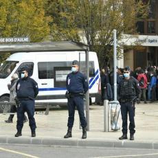 FRANCUZI U BORBI PROTIV VERSKOG EKSTREMIZMA: Policija upada u džamije, preti zatvaranje verskih objekata