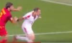 """FUDBALER ZVEZDE NAPRAVIO PENAL U PODGORICI: Pogledajte kako je Stojković pomogao """"svojima""""... (VIDEO)"""
