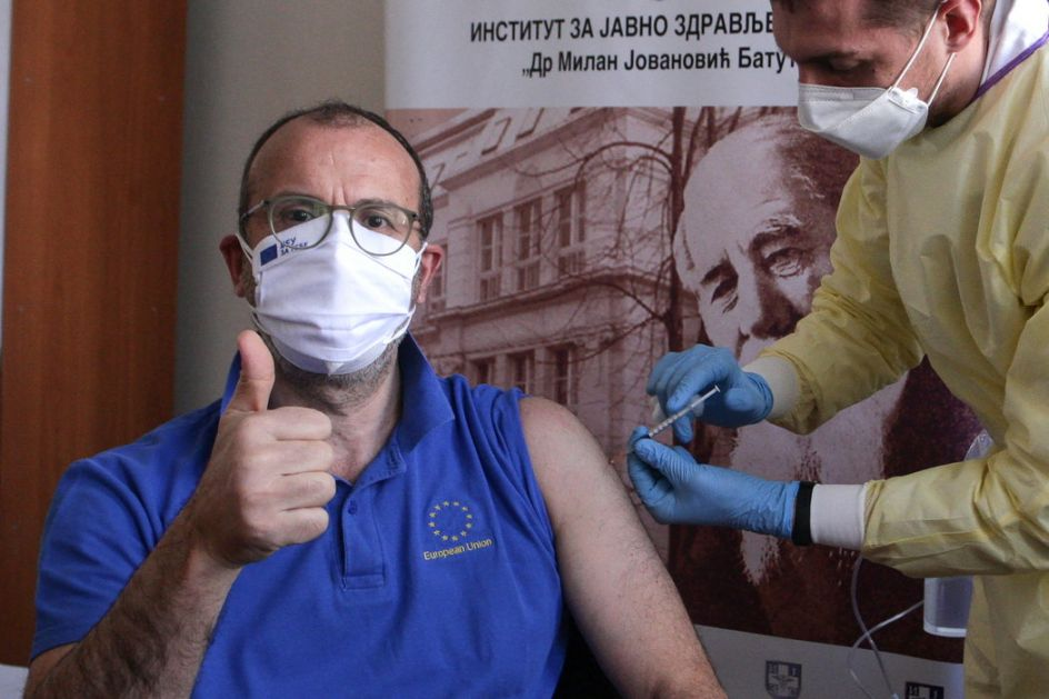 Fabrici vakcinisan na Institutu Batut