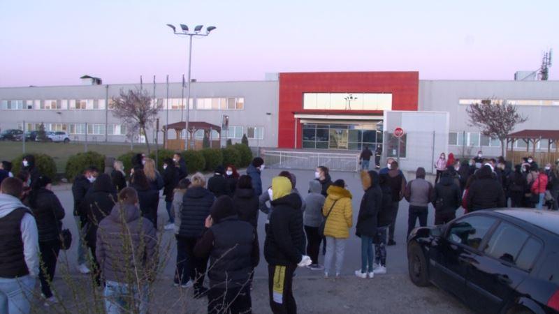 Fabrike u Vranju i Leskovcu nova žarišta korona virusa u Srbiji