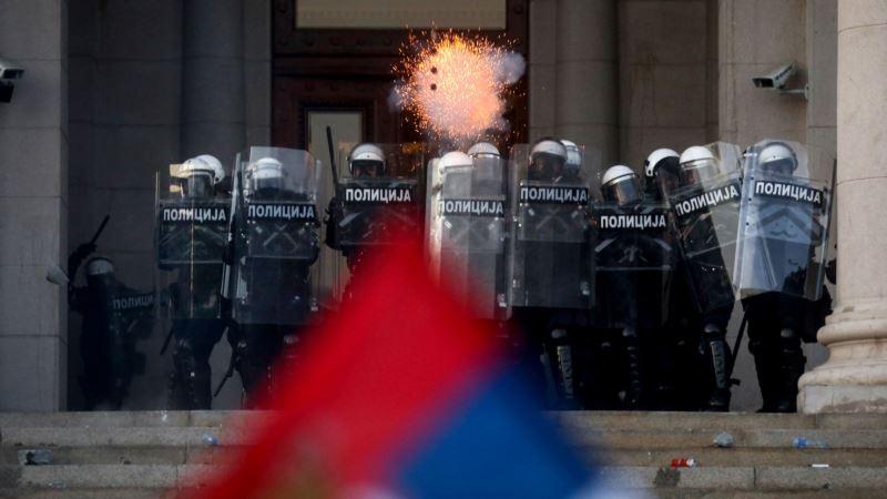 Fajon: Prekomerna represija na protestima u Srbiji neprihvatljiva
