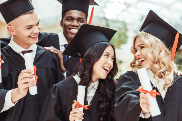 Fakultetska diploma postaje bezvredan papir? Za dobijanje posla ona više nije adut