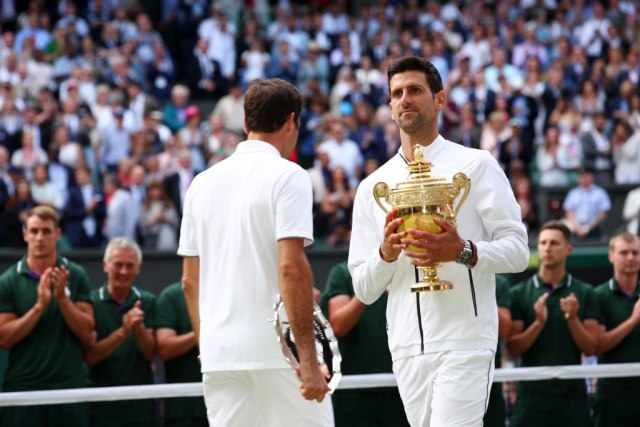 Federer prozvao Đokovića i dobio ekspresan odgovor: Da li je dovoljno? VIDEO