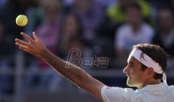 Federer u četvrfinalu, Ćorić propustio dve meč lopte