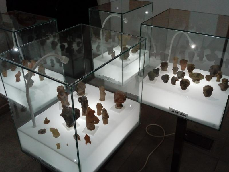 Figurine iz neolitskog doba izložene u niškoj Sinagogi
