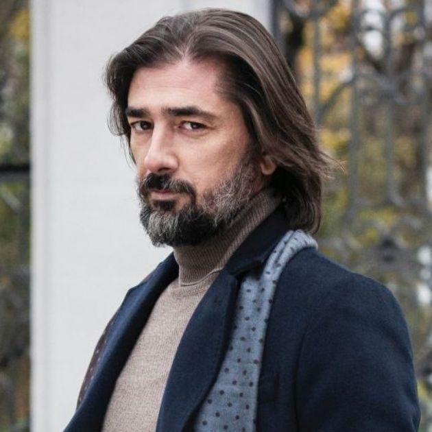 Fotografija Vojina Ćetkovića ukrala svu pažnju: Ko se krije iza njegovih leđa?