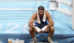 Francuski bokser sedeo u ringu iz protesta zbog diskvalifikacije