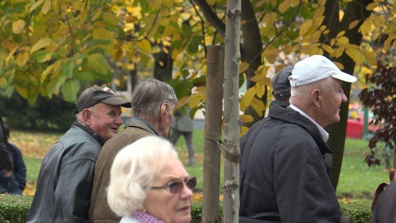 Francuski penzioneri protestovali zbog povećanja poreza