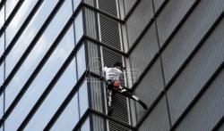 Francuski spajdermen se popeo na 46-spratnu kulu u Londonu
