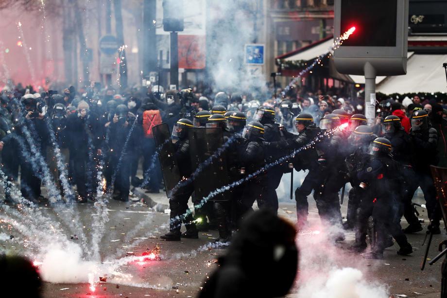 Štrajk u Francuskoj, širom zemlje haos u saobraćaju (VIDEO)