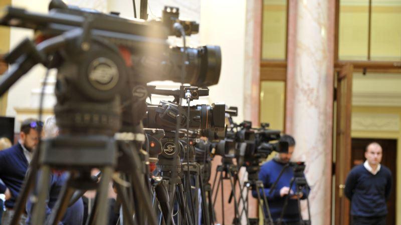 Freedom House: Kupovina dve TV u Srbiji ojačaće uticaj SNS-a