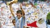 Fudbal i Dijego Maradona: Legendarni fudbaler preminuo u 60. godini