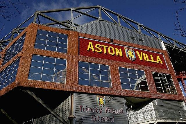 Fudbaler Aston Vile uboden nožem