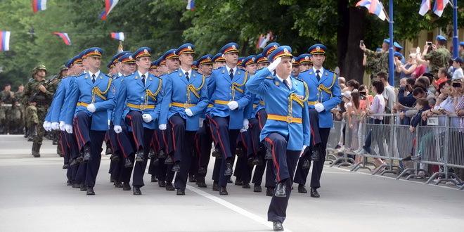 Fudbaleri Crvene zvezde posetili Gardu i vazduhoplovnu brigadu