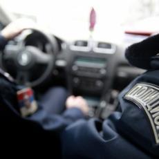 GDE SI KRENUO TAKAV, ČOVEČE?! Mrtav pijan za volanom, policija zaustavila i privela bahatog vozača kod Aleksinca