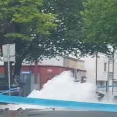 GEJZIR NA LEKINOM BRDU: U Grčića Milenka pukao asfalt, voda šikljala na sve strane