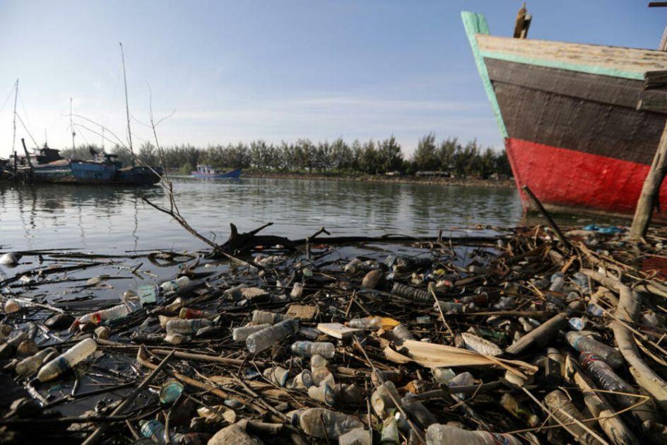 GENIJALAN IZUM: Četvoro splitskih studenata osmislilo uređaj za čišćenje mikroplastike iz mora