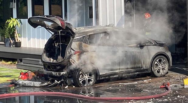 GM vlasnicima električnog Bolta savetuje da ga parkiraju 15 m od drugih vozila