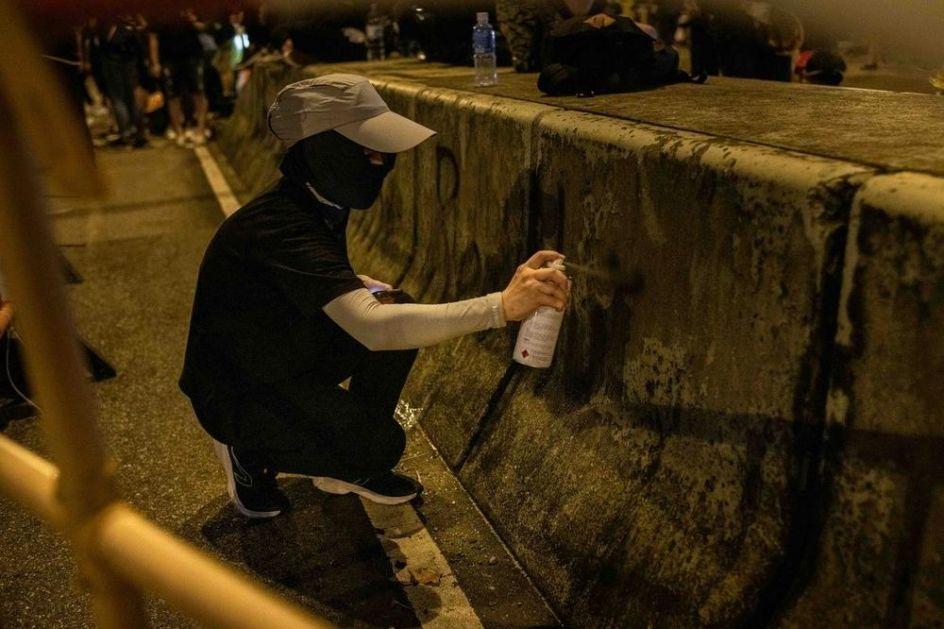 U ZADRU OSVANUO STRAVIČAN GRAFIT: Zakolji Srbina, izvadi mu organe jer su u kvartu mačke gladne (FOTO)