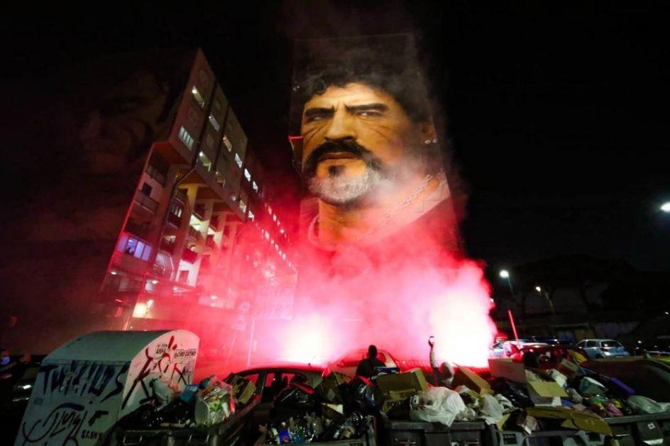 GOREO JE GRAD ZA MARADONU Legendarni El Pibe je u ovom gradu ostavio NEIZBRISIV TRAG: Dirljive scene iz Italije obišle čitav svet!